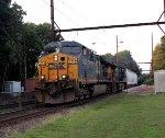CSX 5242 on Q301